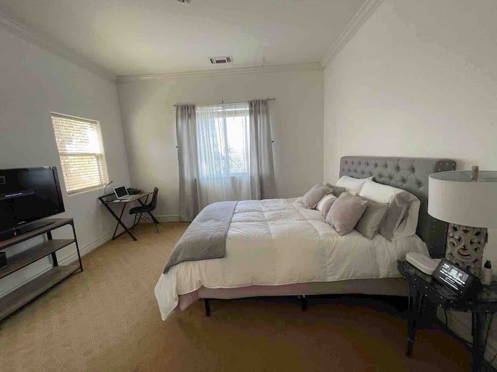 Home away from Home ⭐️Guest suite ⭐️ kitchenette