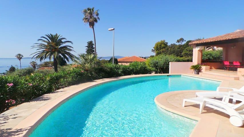 Sublime villa avec piscine au centre ville - Roquebrune-sur-Argens - Villa