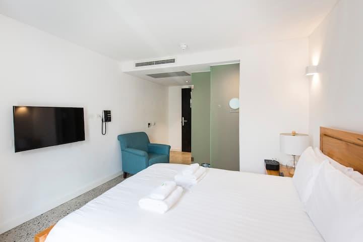 Rustic Getaway with Balcony - Stylish Room