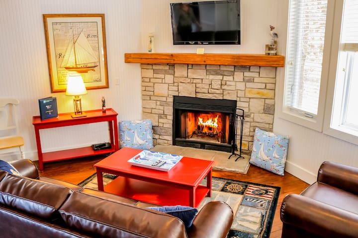 Add a nice atmosphere and mood with a Livingroom fireplace with hot coffee and a fire in the mornings.
