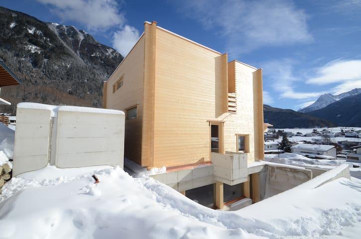 Bio Chalet Lindi - Umhausen - Casa
