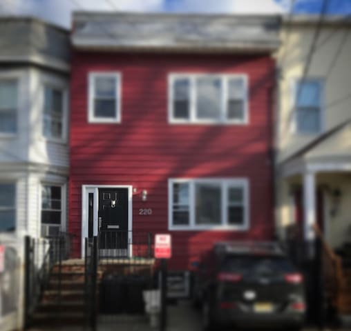 Little Red Guest House - Jersey City - Leilighet
