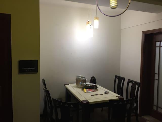 吉庆街大两室~汉口江滩、黎黄陂路街头博物馆、江汉路步行街 - Wuhan