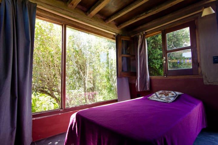 El Escondite. Habitaciones cama simple. - Punta Negra