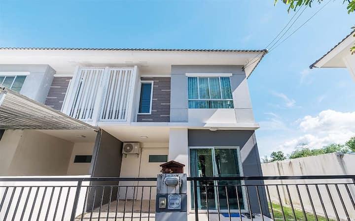 Thalang TownHome 3br · ฺThalang near Thanyapura Town home 3 bed room