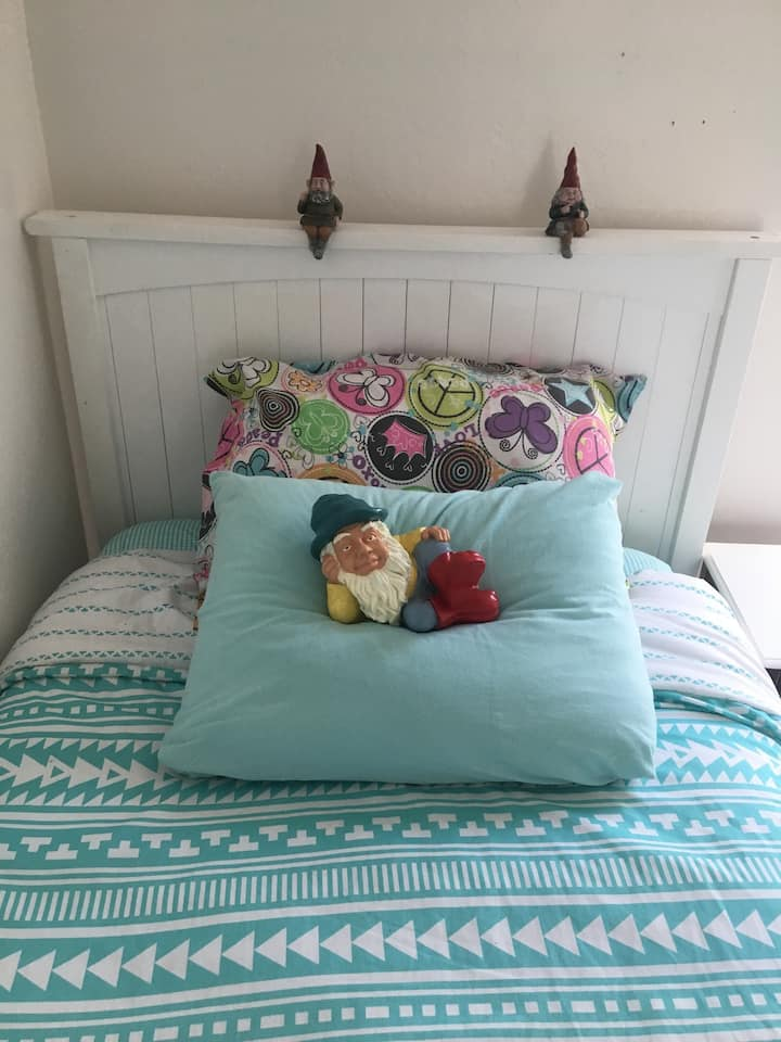 Mystic Canyon Gnome Rm 2 Twin Beds