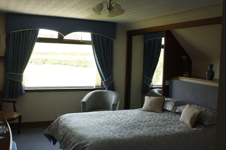 Laigh Tarbeg bed and breakfast