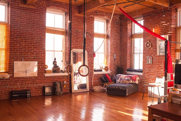 Cozy World Zen Loft