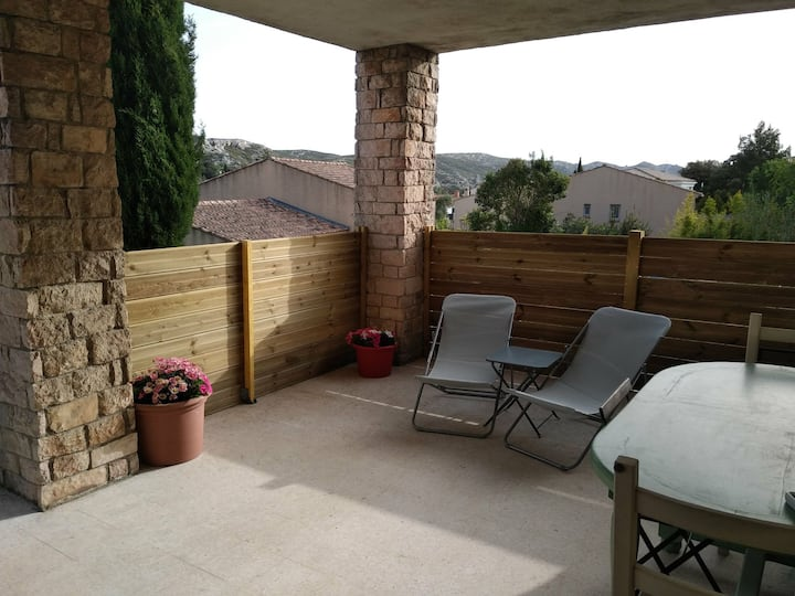 Chambre indépendante avec terrasse privative