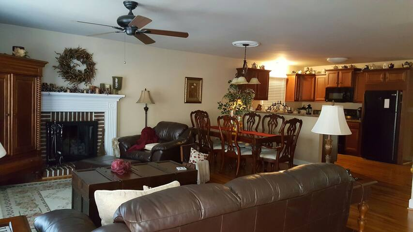 Cozy Furnished House near I-85. - Thomasville - Hus