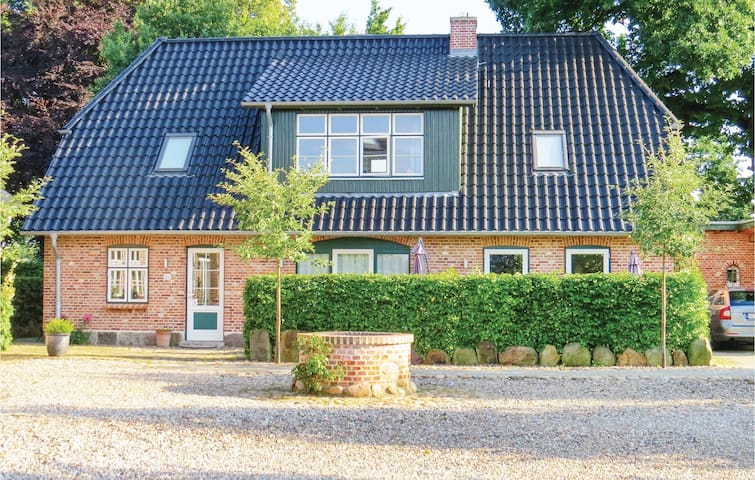 Semi-Detached with 3 bedrooms on 95m² in Gammelby