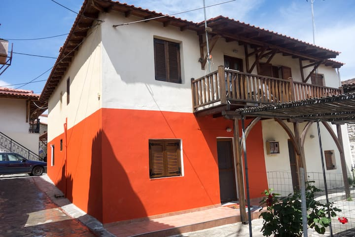 Renovated traditional house in the village centre - Agios Nikolaos - Dom