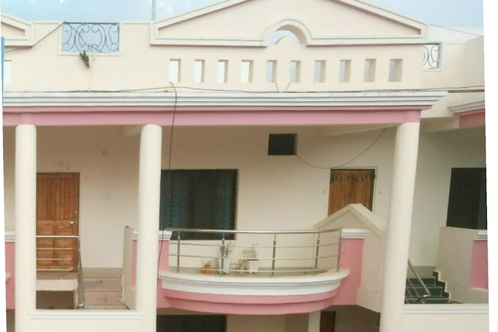 Luxurious Private Entire 1 BHK, PET allowed