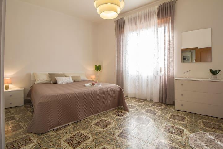 B&B 1 stanza con bagno privato vicino ad Alghero - Uri - Aamiaismajoitus