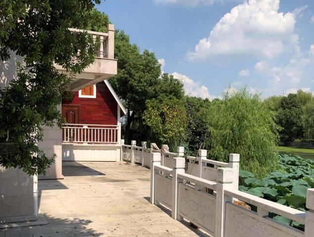 周庄原宿恬园一室一卫一露台小木屋近绿乐园铂尔曼非节假日非周末订2天送一天