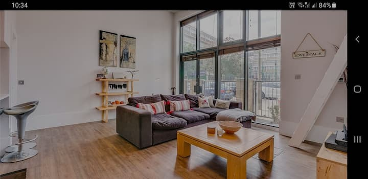 Trendy townhouse with quirky accommodation for 6