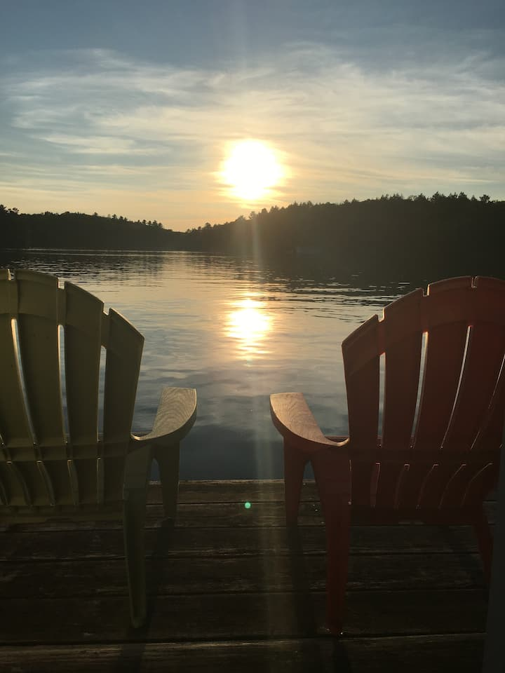 Beautiful 4 Bedroom Cottage on Lake Rosseau
