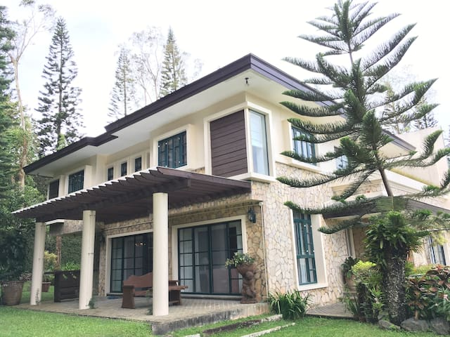 The Luxury of Tagaytay