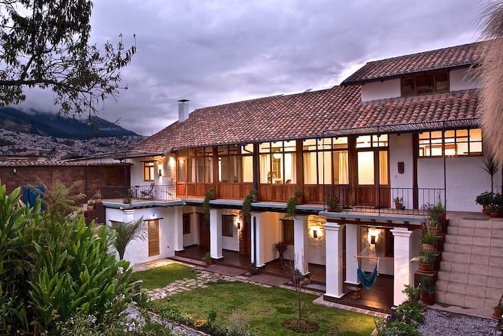 Independent Loft - An Oasis in Historical Quito