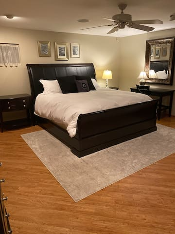 Luxury Guest Ste w/heavenly bed and full amenities