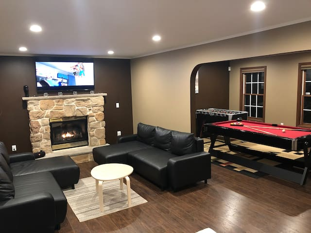 Spacious and Modern Home with a Gameroom and Sauna