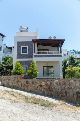 Relaxing, convenient and amazing - Karabağlar   - Huis