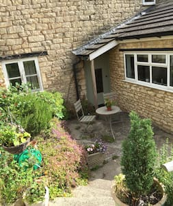 Beautiful Cotswold Cottage - North Woodchester - Rumah