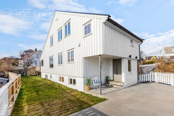 Sjarmerende, sentralt hus leies ut til Arendalsuka