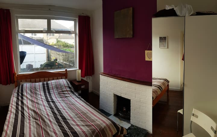 Private spacious Double Room in cosy house.