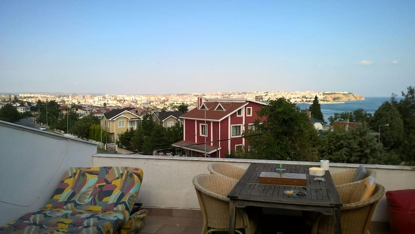 Triplex villa with amazing seaview - Silivri