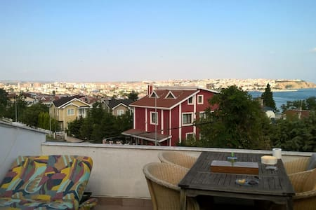 Triplex villa with amazing seaview - Silivri - Ev