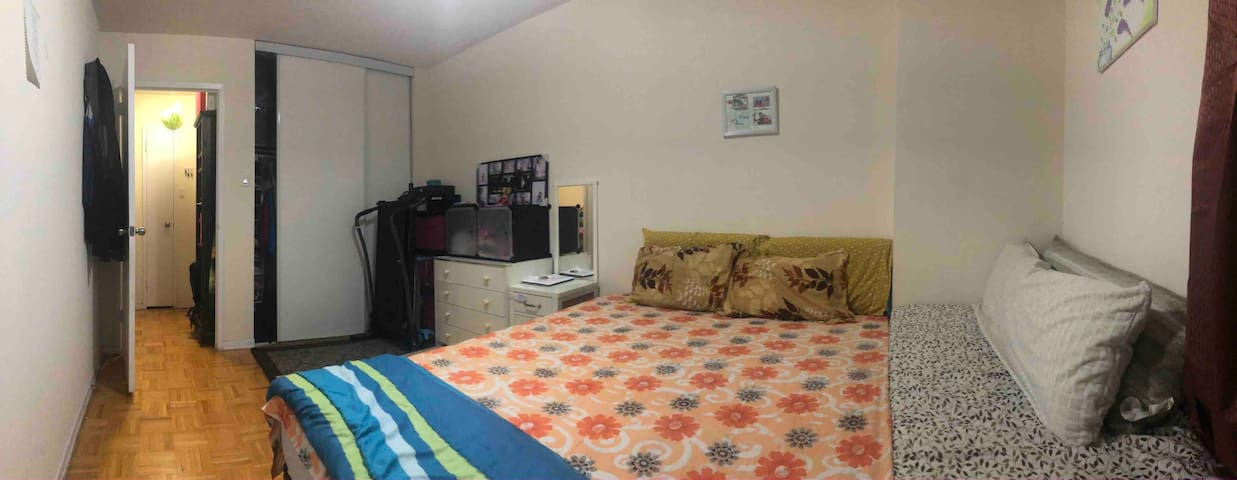Short Term Rental / Shared Main Bed Room/ 1 BHK