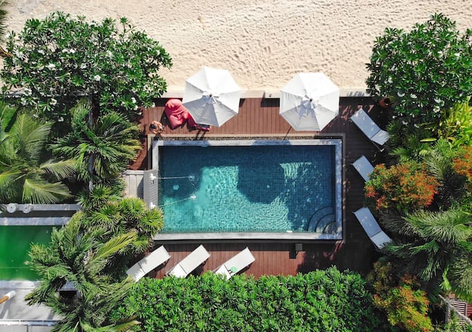 Luxury 3BR villa on secluded beach + infinity pool