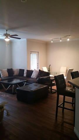 Private Room/Bath NW Austin - 20 mins Downtown - Austin - Apartament