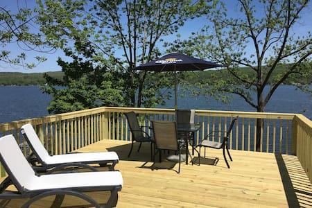 Waterfront cottage on Honeoye Lake, stunning view