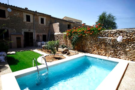 Typical old Majorcan house with a private pool - Illes Balears