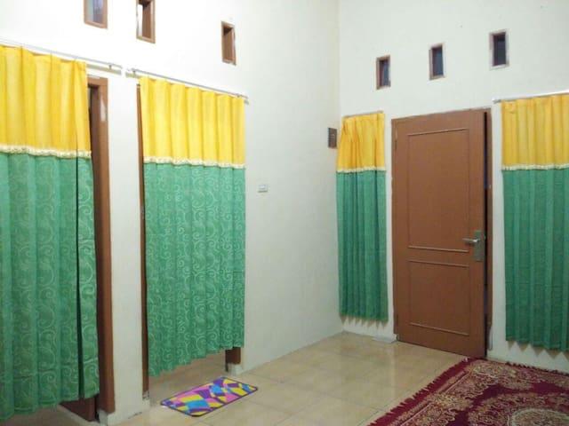 Homestay Keluarga Bandar Lampung - Sukarame - Haus