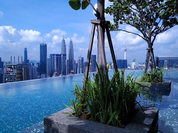 *Cozy Suites - KLCC Rooftop Infinity Pool View
