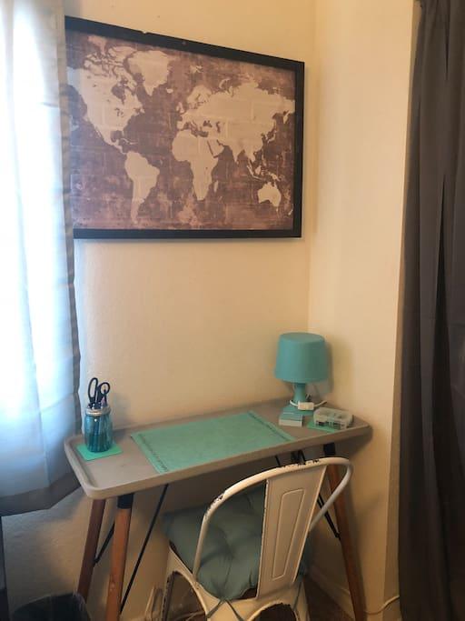 work station w/amenities