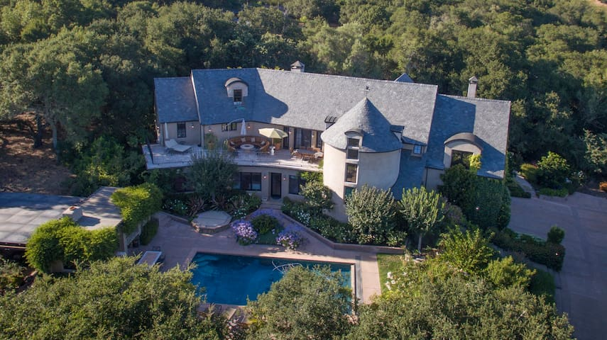 Chateau Giglio Luxury Estate & Corporate Retreats