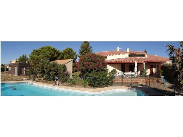 Villa familiale pour des vacances en bord de mer - La Palme - วิลล่า