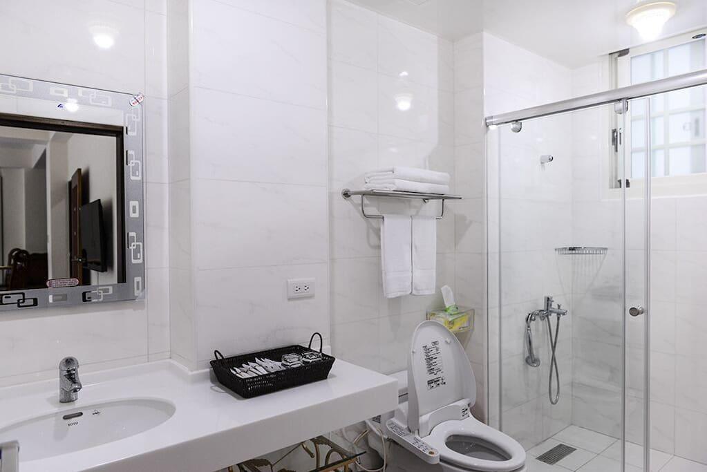 浴室 Toilet