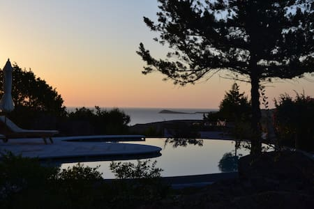 Villa Kara, beautiful villa with pool and seaviews - Punta Molara - Villa