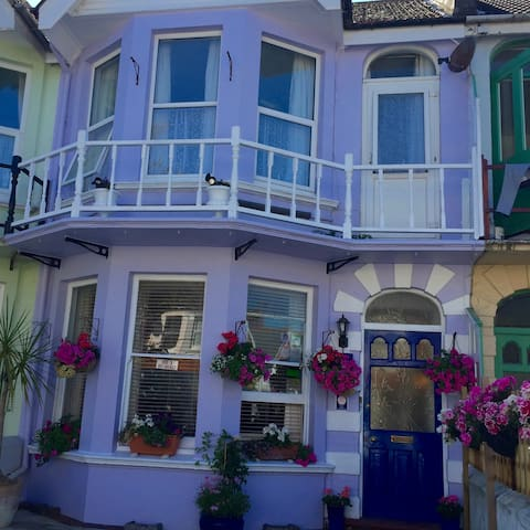 Bed and Breakfast  Close beach and all amenities - Worthing - Bed & Breakfast