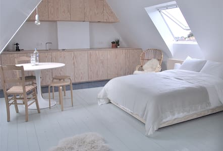 Nordic Studio/B&B with kitchen! @ Bruges