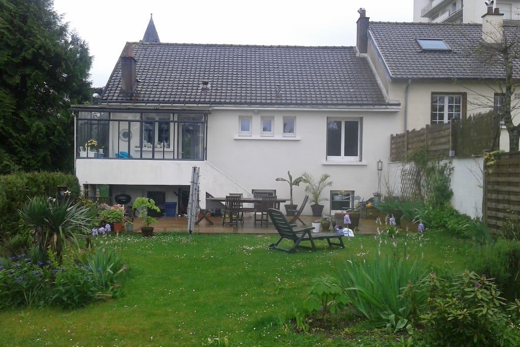2 chambres rooms id al 4 5 pers maisons louer jou for Location garage joue les tours