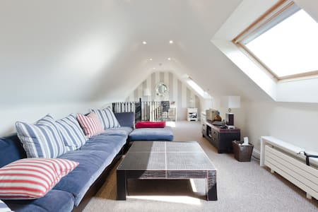 2 bed apt in area of beauty near Henley-on-Thames.