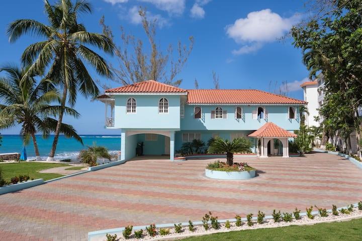 Edgewater Beach Villa