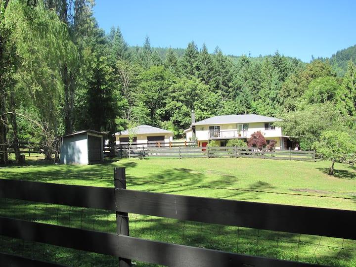 Serene & rustic, rural farm life experience