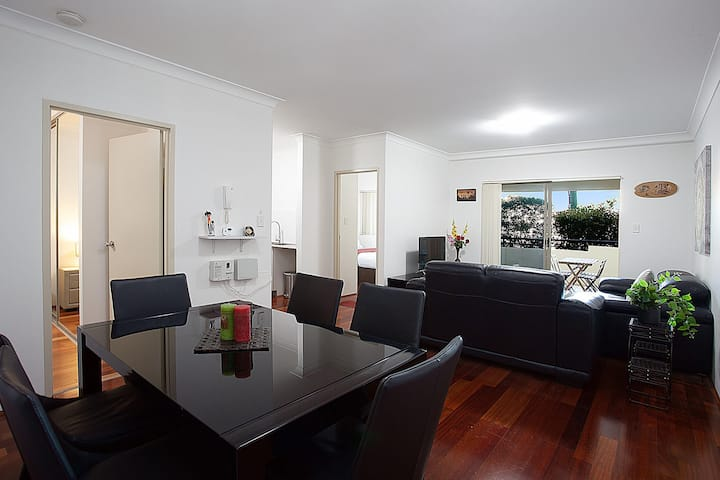 Spacious Family Apartment Close to Olympic Park